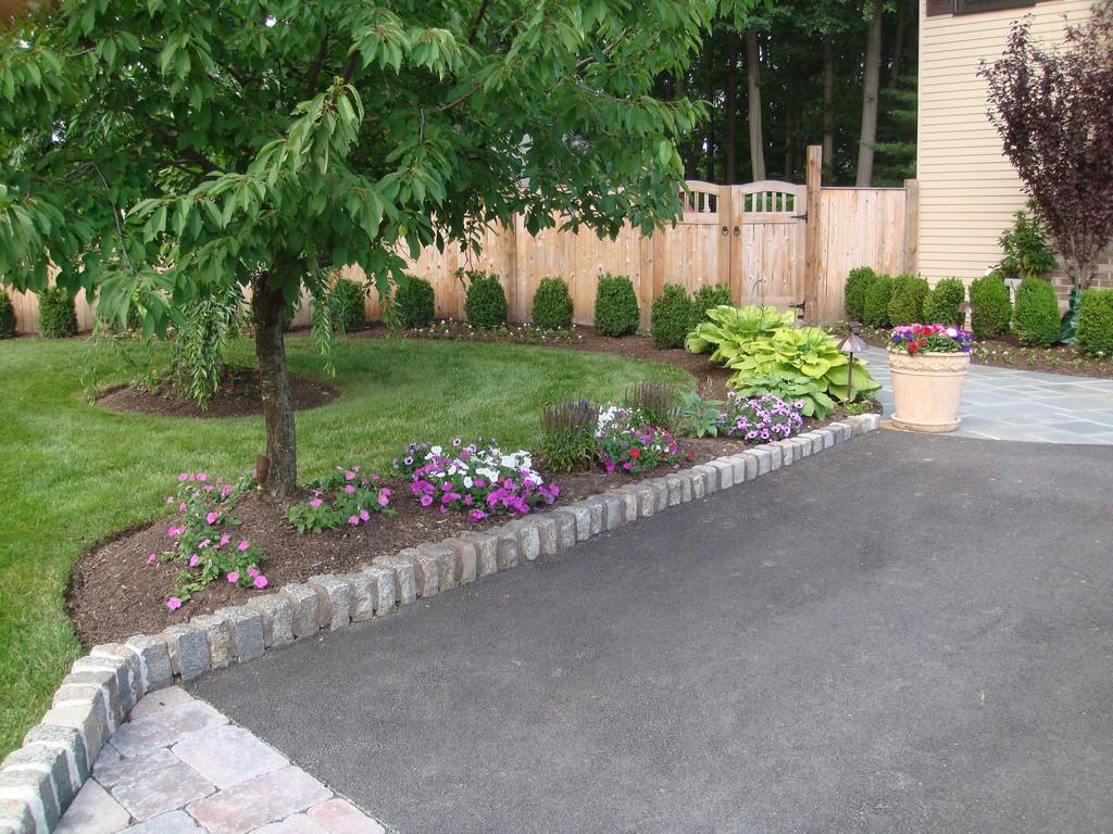 Landscape block home design ideas and pictures for Lifestyle block landscape design