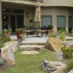 bluestone-patio-boulder-wid